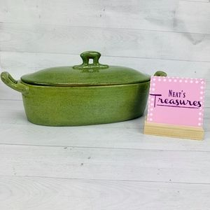 VIETRI Green Textured Handle Lidded Covered Bowl
